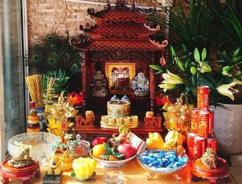 Lễ cúng bàn thờ thần tài ngày đầu năm